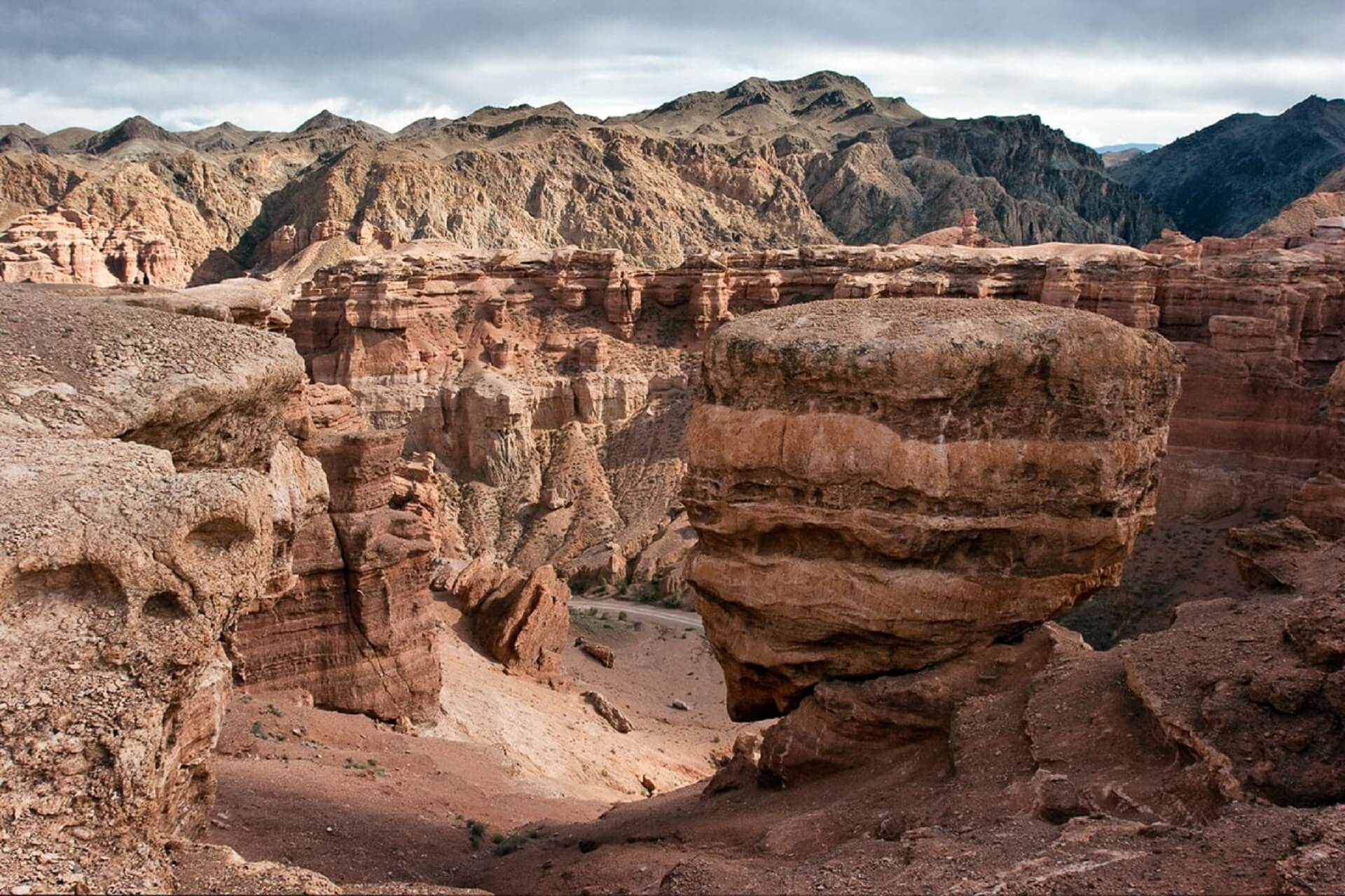 Journey to the mysterious Charyn Canyon